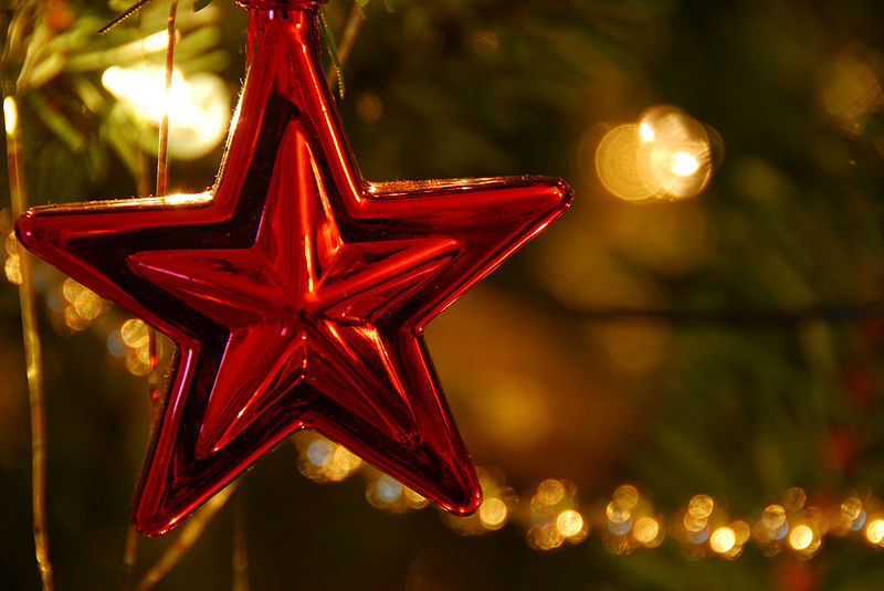 A red star as a christmas ornament. (Photo by: Elliot Moore)